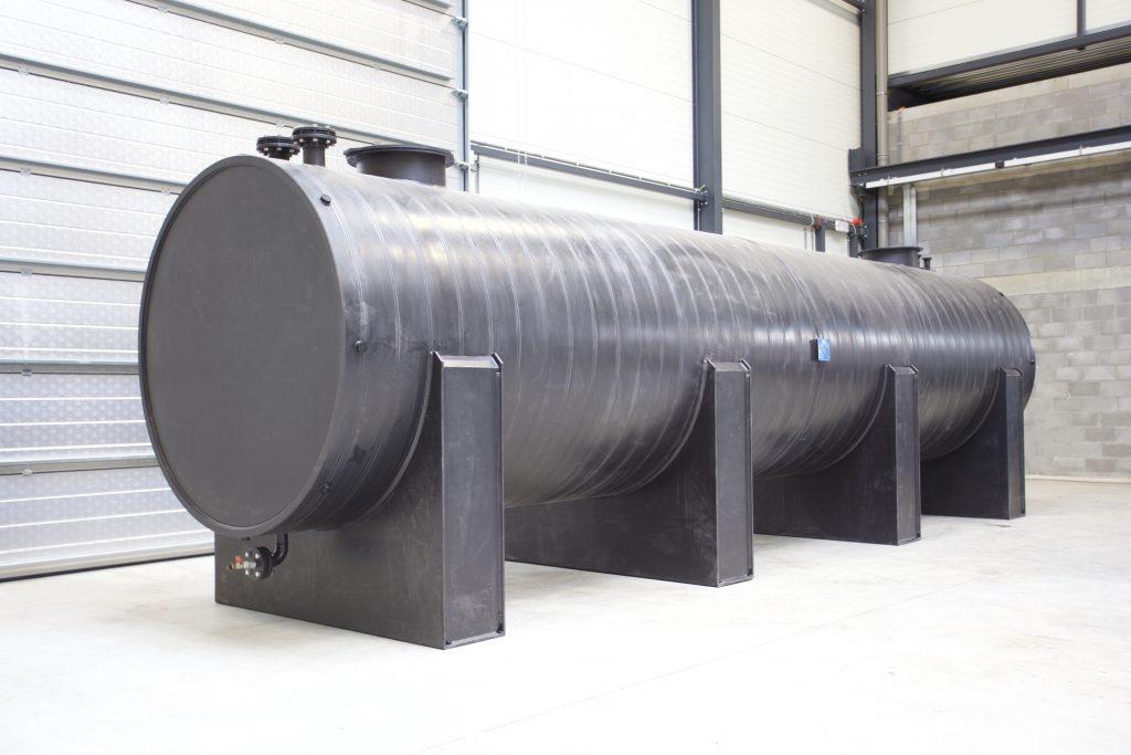 Horizontal cylindrical HDPE tank