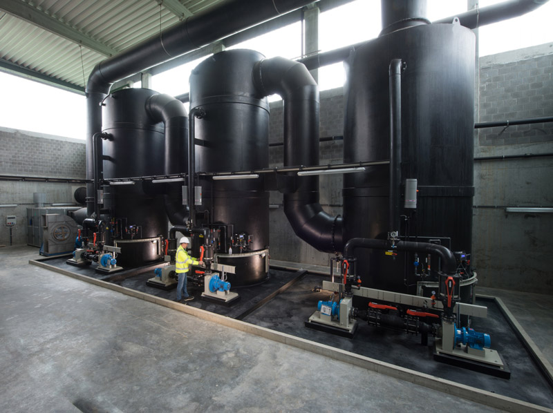 plastic pijpwerk bouwterrein, Kunststoff baustelle Mertens plastique, rohrbau baustelle, on site pipe maintenance